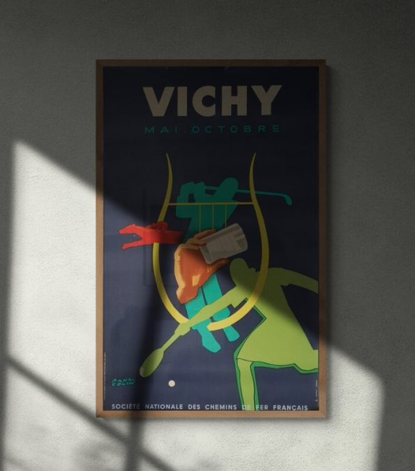 Vichy_Abstract_shadow_silhouette_on_bare_wall (20)