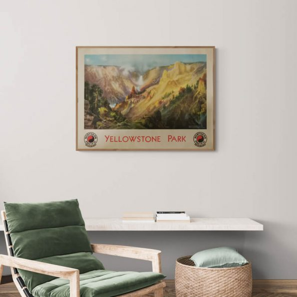 Yellowstone_Park_Cozy_room_with_armchair_and_wall_shelf